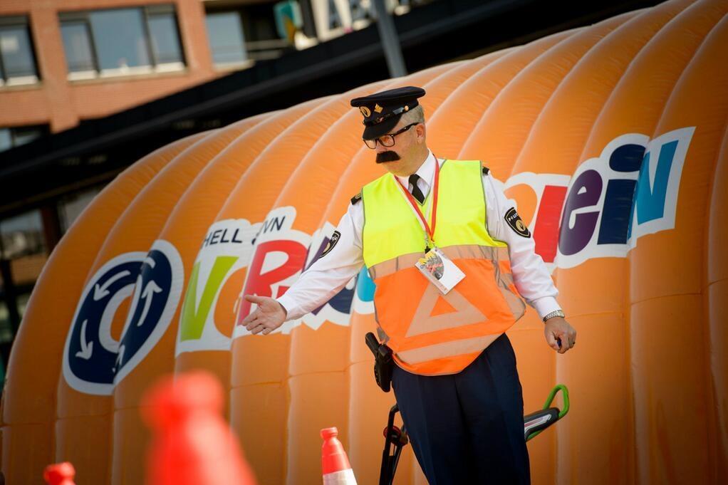 Agent Joss van het Verkeersplein van Shell en VVN