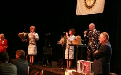 Veiling Rotary Franeker ondersteund door De Dames