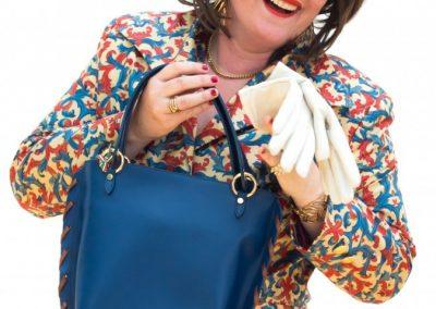 Vrouwelijke cabaretier Tuukje Gibossie inhuren
